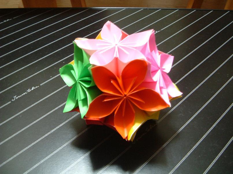 折り紙のくす玉: 生きて ...